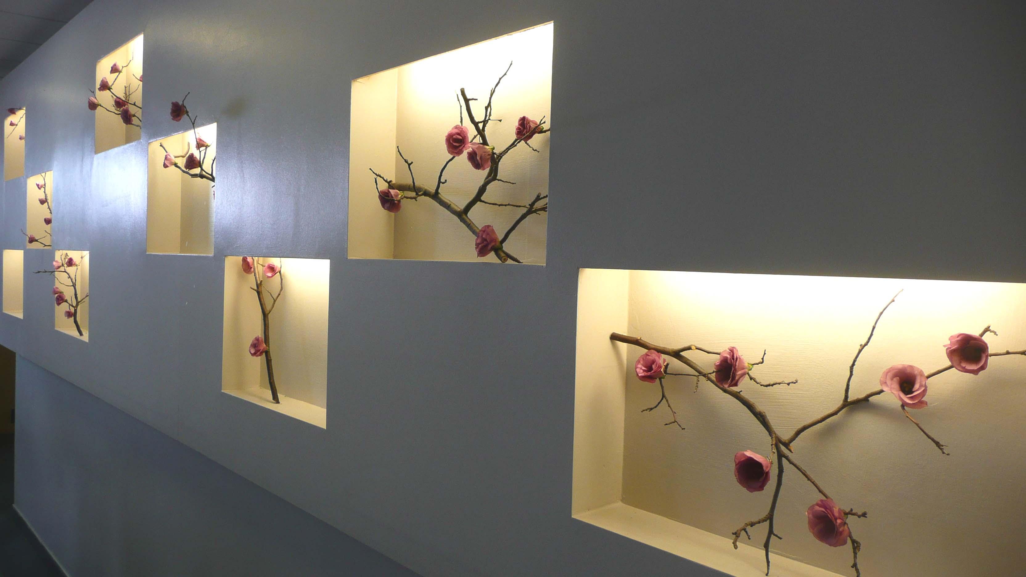 Декор для ниши в стене