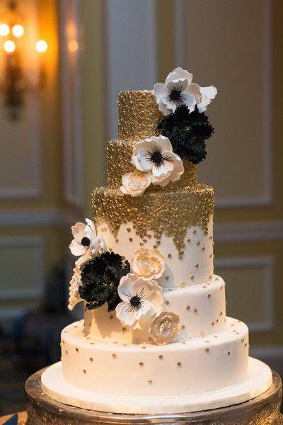 czarny kolor na weselu - tort weselny