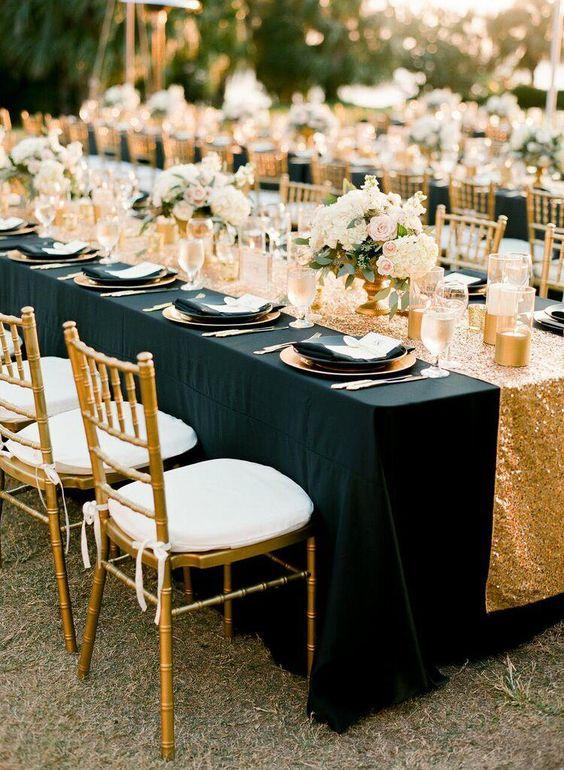 czarny kolor na ślubie - obrus