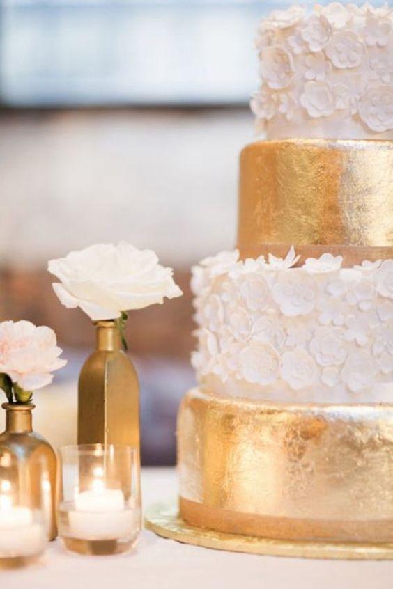tort weselny złoto