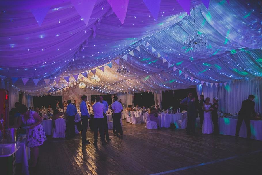 światło dekoracje weselne