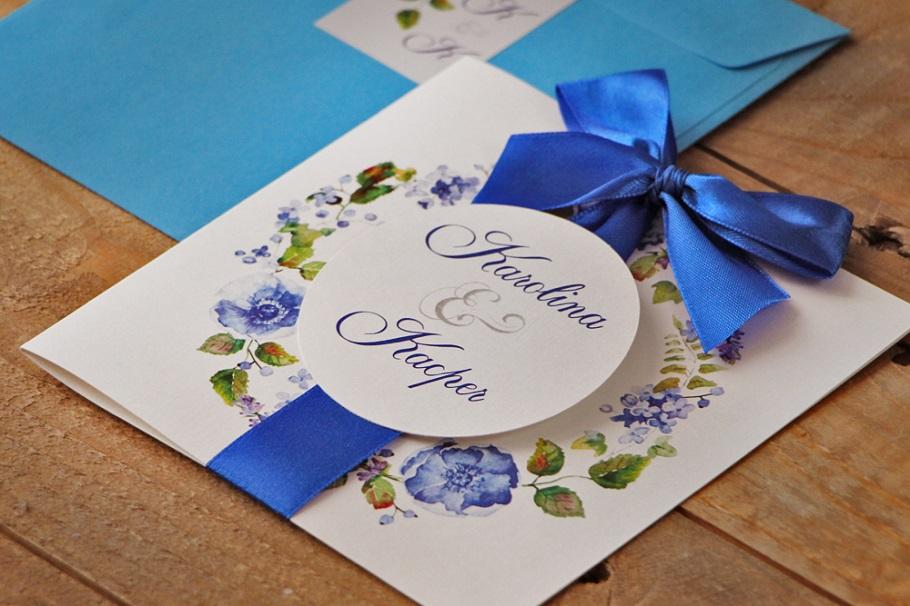 kwiatowe zaproszenia ślubne niebieskie