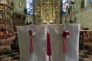 krzesła pary młodej, dekoracja kościoła