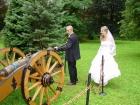 Para Młoda przy armacie, atrakcja weselna