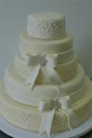 tort z kokarda