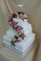 tort różowe kwiaty