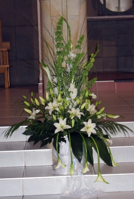 Studio Kwiatowe Izabela Myślenice Dekoracja ślubna Kościoła