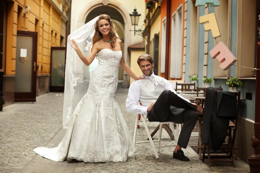 Annais Bridal Feeling 2013 Suknie ślubne Suknia ślubna Molly Hor