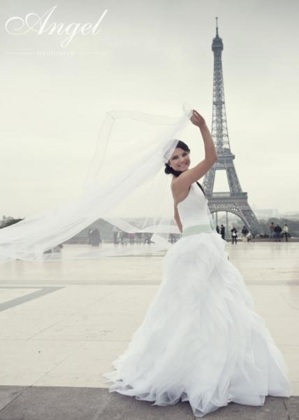 32fda71da5 Więcej zdjęć z galerii firmy LANGORIA - Salon Sukien Ślubnych i Wieczorowych