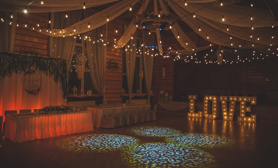Modern Light Service: świet(l)ne dekoracje weselne